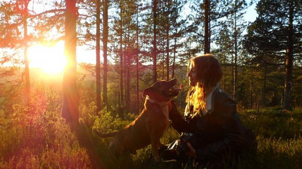 10 Motive Pentru A Vă Plimba Câinele - 7. Îmbunătățesc Relația Cu Oamenii Lor